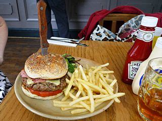 daftar restoran makanan fast food burger  enak murah