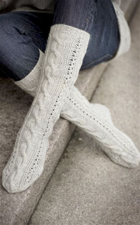 pattern cable socks cable socks pattern these look soooo comfy knit a bit