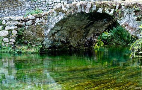 giardino di ninfa roma foto