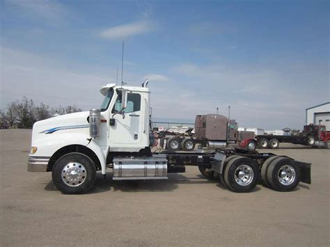international semi truck 2012 international paystar 5900i day cab semi truck for