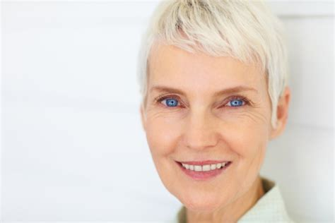 haircuts for white hair short hairstyles for older women