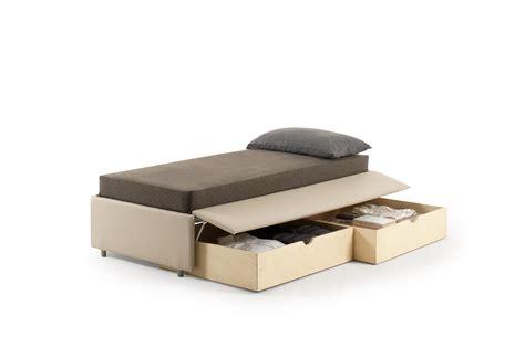 letto con cassetti sotto letto con cassetti sotto awesome letto con ruote surf per