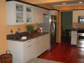 Small Kitchen Cabinet Ideas by Small Kitchen Remodeling Ideas On A Budget