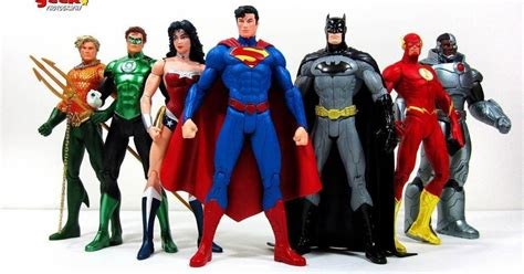 absolute justice league the world s greatest superheroes by alex ross paul dini new edition best superheroes toys photos 2017 blue maize