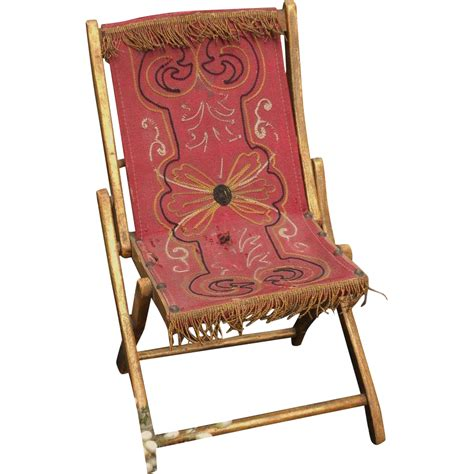 pretty garden folding chair with gold accents