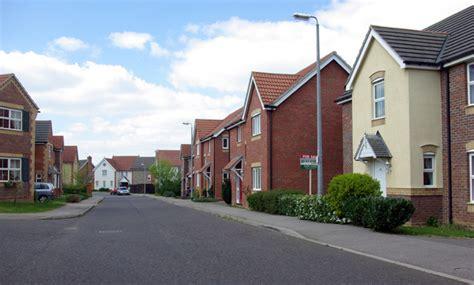 uk housing file modern housing braintree geograph org uk 405137 jpg wikimedia commons
