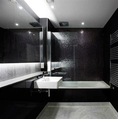 schwarze fliesen badezimmer schwarze fliesen