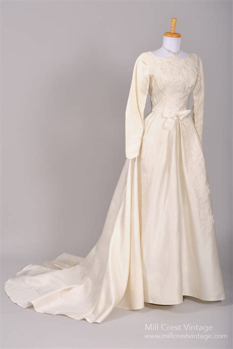 Vintage 50s Wedding Dresses by Finding A Vintage Tea Length Wedding Dress Whirling Turban