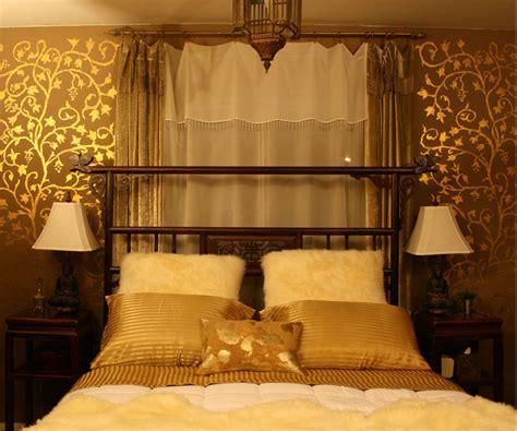 apartmentf gold bedroom