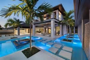Dream House Design Inside And Outside by Prestigieuse Maison De Vacances En Floride Vivons Maison