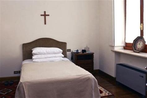 pope francis bedroom 17 best images about pope francisco on pinterest