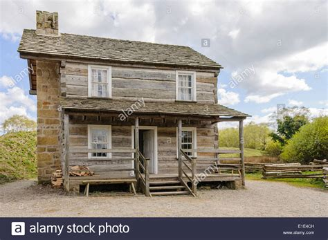 old fashioned house old fashioned wooden american farm house in the ulster
