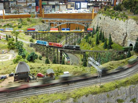 ho model trains images pictures ho train section layouts page 6