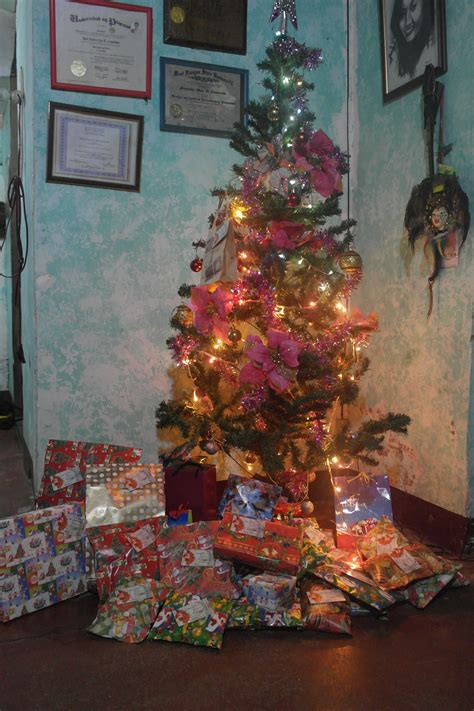 where to buy affordable christmas tree in philippines namamasko po the way we celebrate in the philippines iamreddawn
