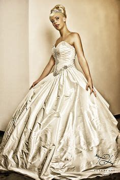 artistic wedding dresses 1000 images about hollywood dreams wedding dress review