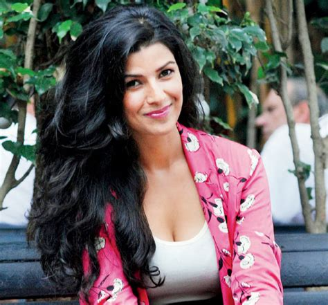 biography of movie airlift nimrat kaur wiki airlift movie actress biography age date