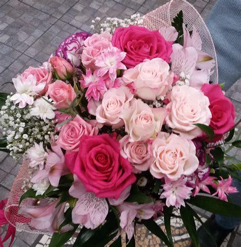 foto con fiori per compleanno fiori per compleanno bouquet tipo interflora fiori