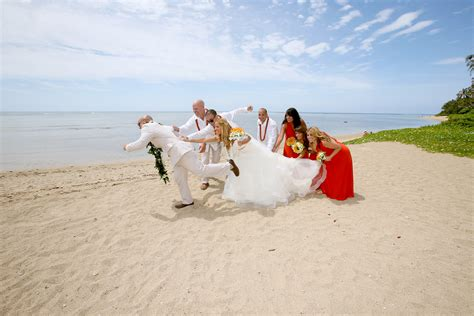 Waialae Weddings & Waialae Wedding Packages
