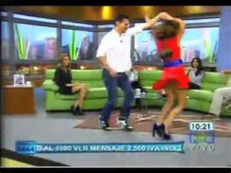 descuidos calzoncito blanco minifalda morada apexwallpapers com calzon en minifalda ver chavas nalgonas bailando en