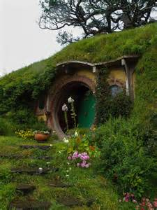 pictures of hobbit houses hobbit house storybook cottages pinterest
