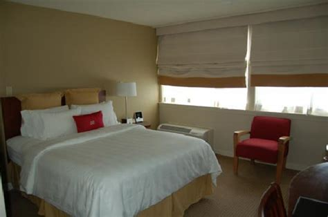 Clean Ma Room by Clean Room Le Big Pillows Power Outlet On The Bedside