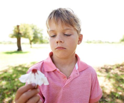 nose bleed how to stop a nosebleed 5 epistaxis treatments reader s digest