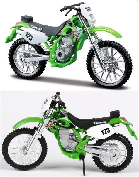 diecast motocross bikes kawasaki klx 250sr 1 18 diecast toy model motocross bike