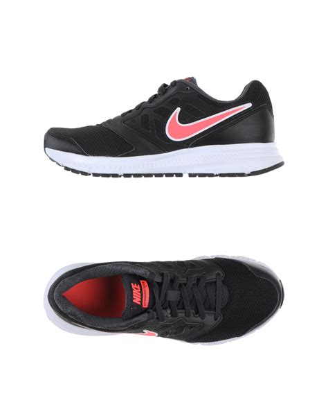 nike low tops trainers in black lyst