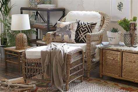 aprovecha los muebles de terraza dentro de la casa