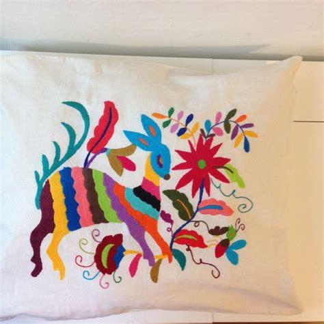 cuscini ricamati oltre 25 fantastiche idee su cuscini ricamati su