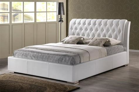 Size Bed With Headboard by White Modern Bed With Tufted Headboard King Size