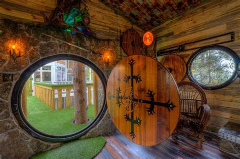 hobbit architecture this incredible hobbit treehouse is a tolkien fan s dream
