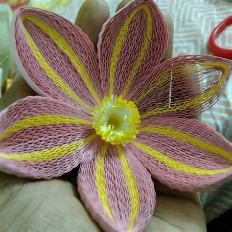 quilling pinterest tutorial flowers 1000 images about quilling flowers on pinterest