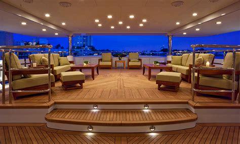 interni barche di lusso crociere di lusso yacht a motore noleggio yacht a