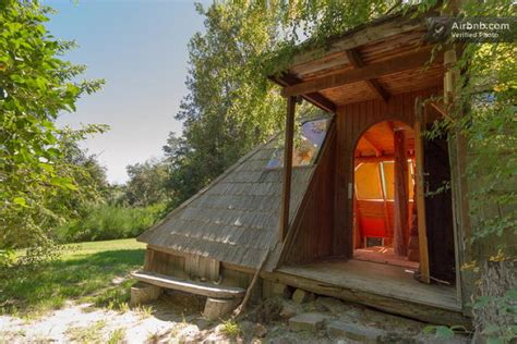tiny house air bnb 10 tiny houses you can rent on airbnb co design