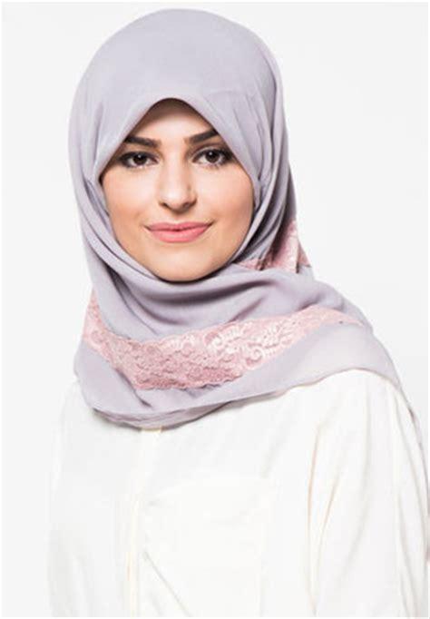 Jilbab Segi Empat Bahan Ceruti mengenal bahan kain segi empat yang nyaman dipakai