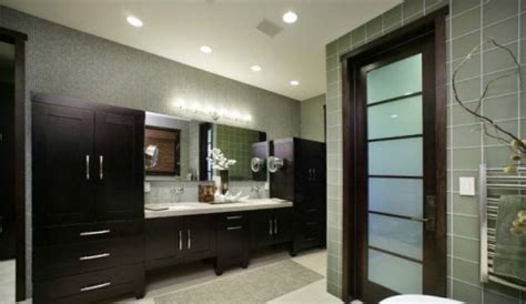 how to fix up old kitchen cabinets how to fix up old bathroom cabinets 5 tips to make it new