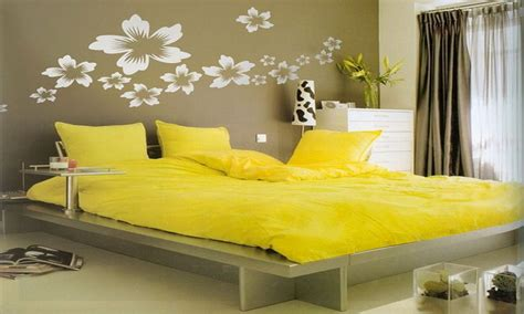 decorating ideas for bedrooms with yellow walls yellow bedroom ideas do it yourself bedroom decorating