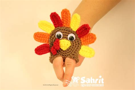 Hodge S Favorite Things Free Thanksgiving Crochet Cuteness Squirrel Picnic Thanksgiving Finger Puppet Templates