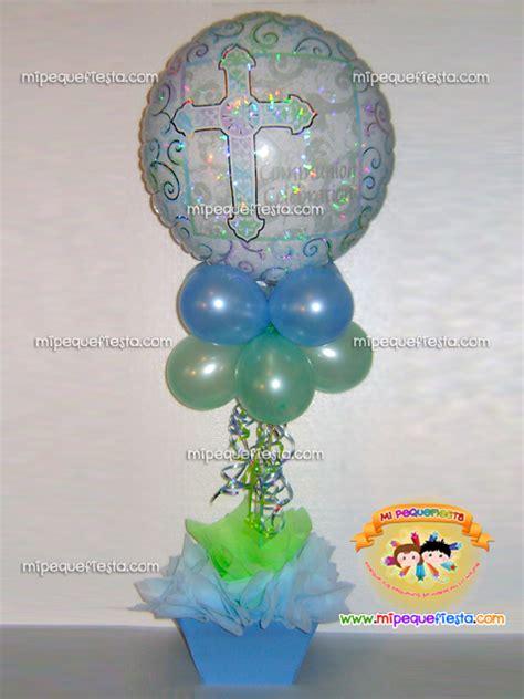centros de mesa para bautizo con globos y dulces