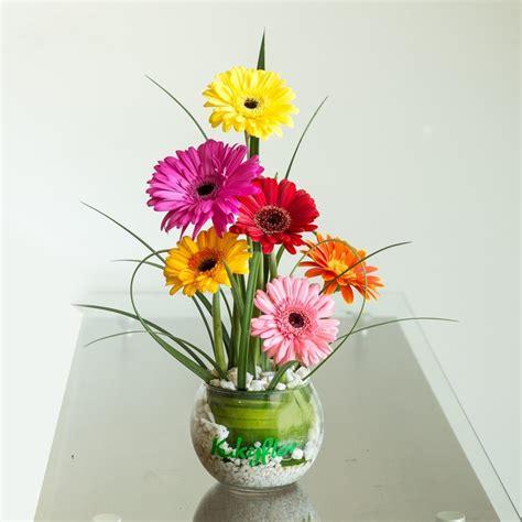 como hacer arreglos de flores con gerberas apexwallpapers com pecera con 6 mini gerberas servicio de delivery en www