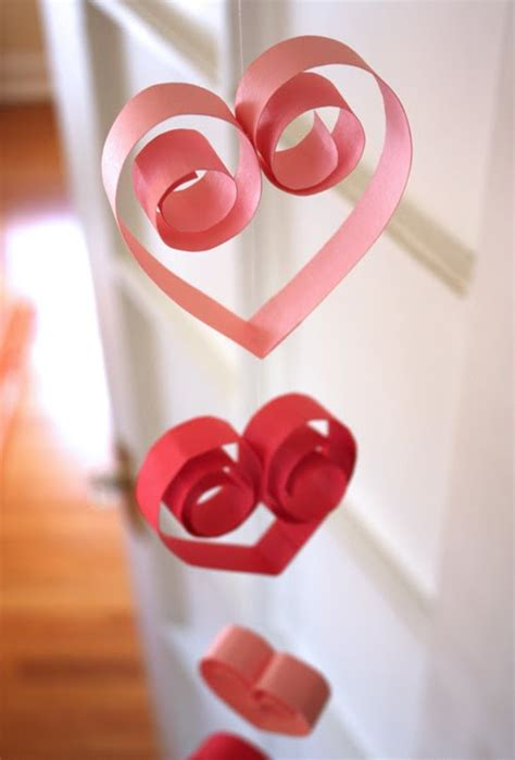 15 cool diy s day garlands shelterness