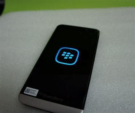 Hp Bb Kamera Depan Belakang inilah bocoran foto terbaru blackberry a10 katalog handphone