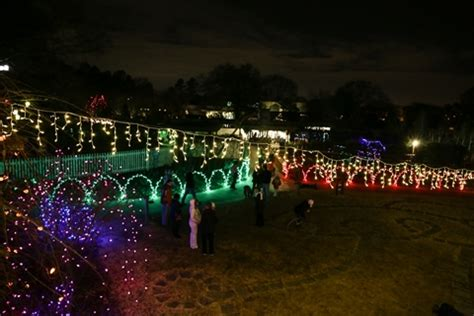 snowy nights in my big backyard 12 of the best christmas light displays in tennessee in 2016