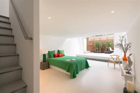 letti a soffitto letto a scomparsa soffitto letto soppalco with letto a