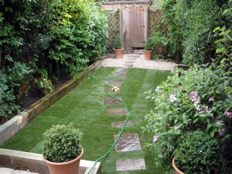 Ideas For Small Gardens Uk Small Cottage Garden Design Ideas Small Perennial Garden