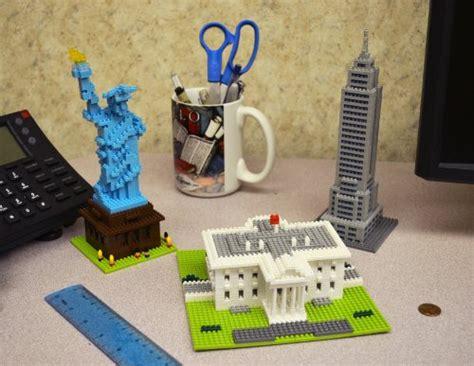 L6385 Lego Nano Block Weagle Statue Of Liberty Kode Pl6385 2 compare nano block mallard duck nbc 061 vs empire state building