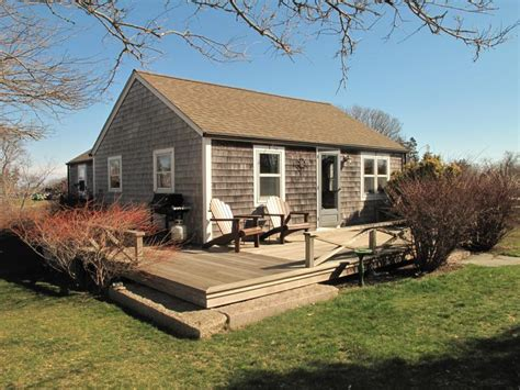 block island cottage rentals new rental listing the cottage block island times