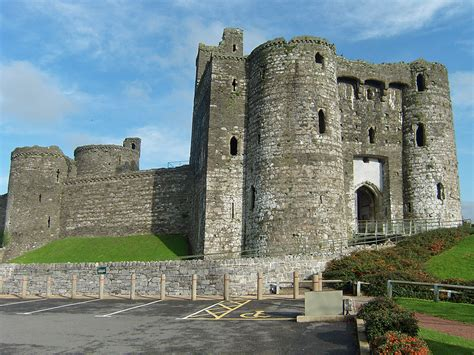 the curtain wall castle with round towers curtain wall castle with round towers scifihits com