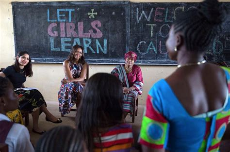 michelle obama initiatives quot let girls learn quot l initiative de michelle obama livealike